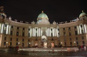Hofburg-palace-vienna-17489276-1024-681